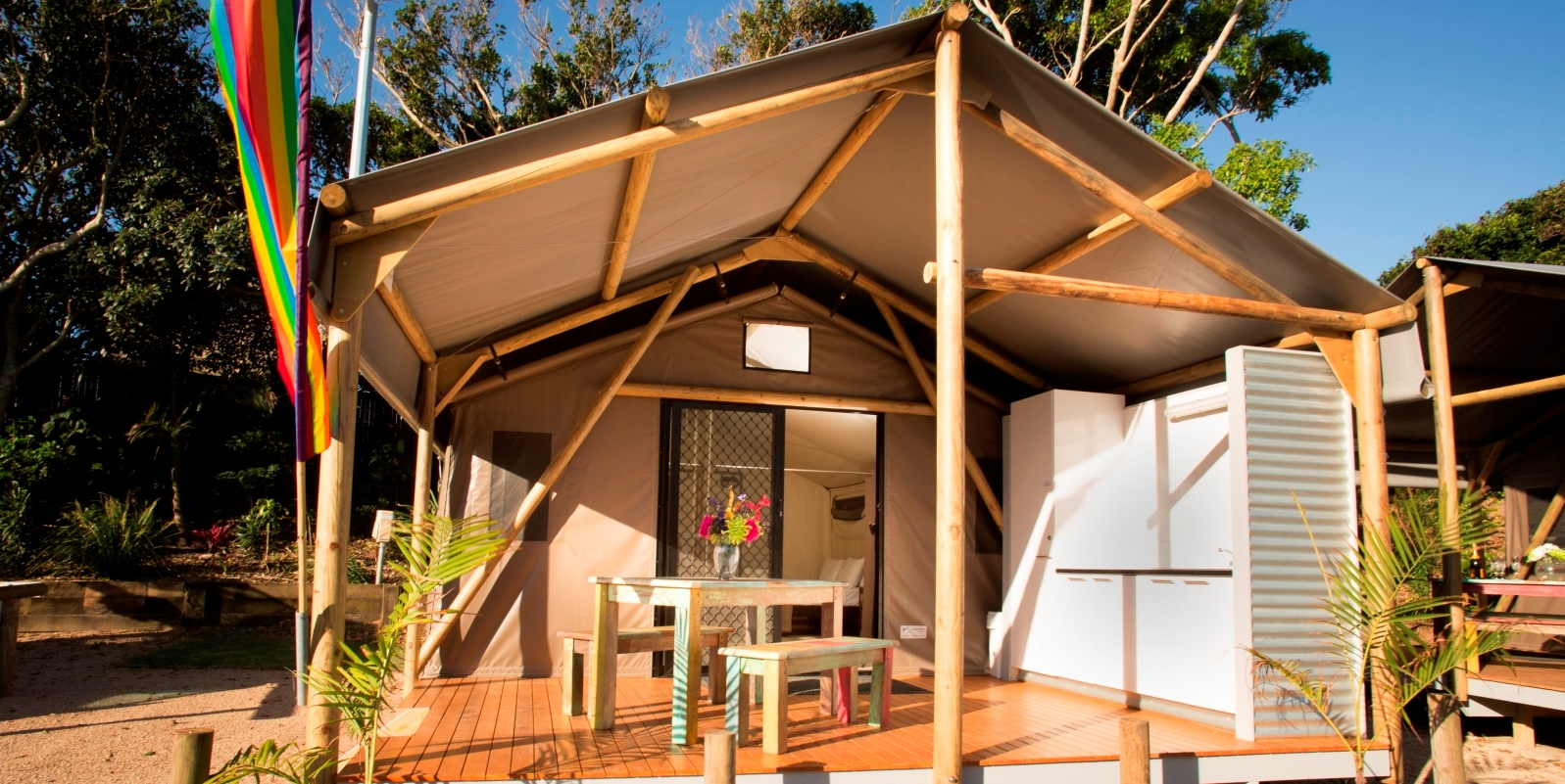 Our most recent client was the First Sun Holiday Park in Byron Bay. Situated right next to the beach with views to die for our new Gl&ing safari tents ... & Byron Bay Glamping - safari tentssafari tents
